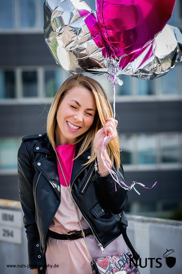 2016, Mannheim, Bloggerin mit Luftballons